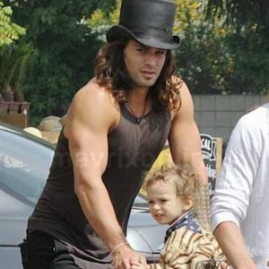Jason Mamoa with his son
