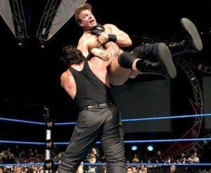 Undertaker Chokeslam Finisher