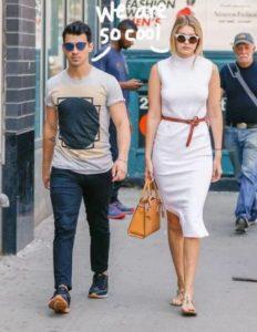 Gigi Hadid with Nick Jonas