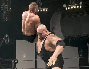 Big Show finishing move Chokeslam