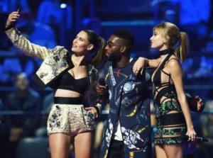 Hailey Baldwin in 2015 MTV Europe Music Awards