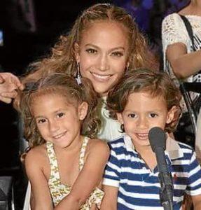 Jennifer Lopez with her Kids