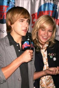 Brie Larson with Cody Linley