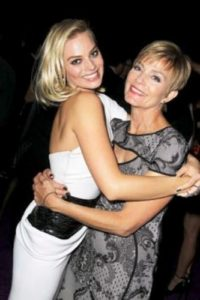 Margot Robbie with her Mother