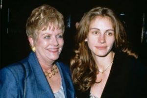 Julia Roberts with her mother