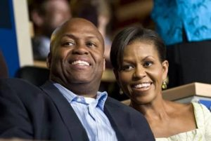 Michelle Obama with her brother Craig Robinson