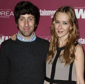 Simon Helberg with his wife