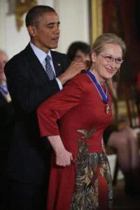 Streeps getting Presidential Medal from Obama