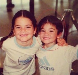 Kylie Jenner childhood photo with her sister