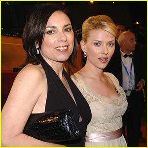 Scarlett Johansson with her mother
