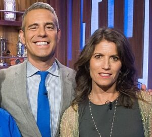Andy Cohen with his sister