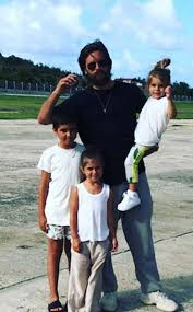 Scott Disick with his kids