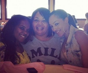 Joie Chavis with her mother & sister