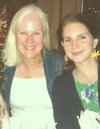 Lana Del Rey with her mother