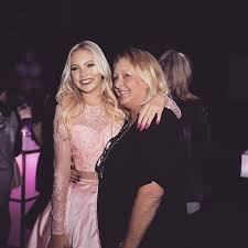 Jordyn Jones with her mother