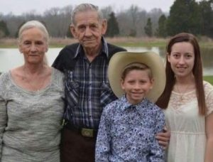 Mason Ramsey with his grandparents and sister