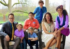 Toby Mac with his wife & children