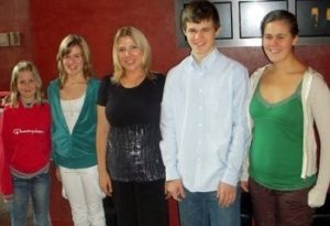 Magnus Carlsen with his sister