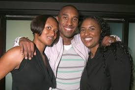 Kobe Bryant with his sisters