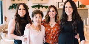 Joanna Gaines with her mother & sister