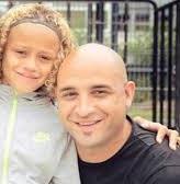 Xavi Simons with his father