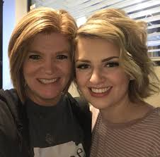 Maddie Poppe with her mother