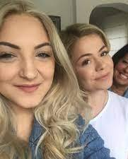 Julia Michaels with her sister