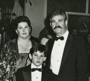 Henry Thomas with his parents
