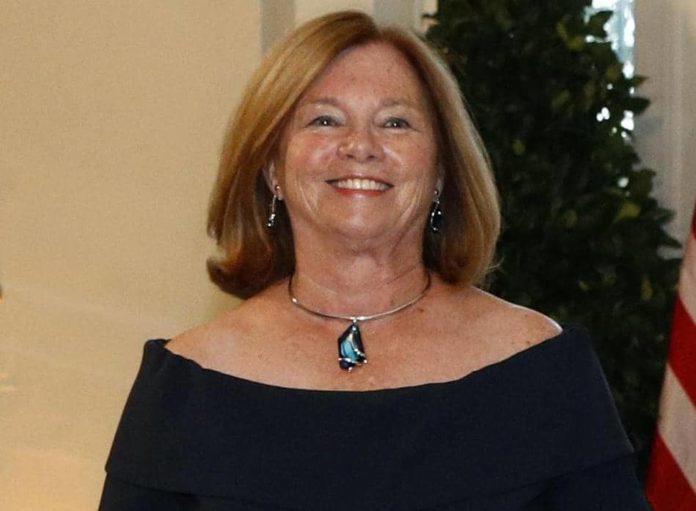 Christine Barr