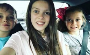 Courtney Hadwin with her brother & sister