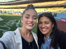 Brynn Cartelli with her mother