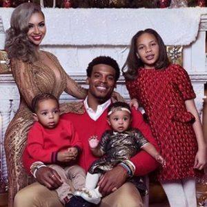 Kia Proctor with her boyfriend & children