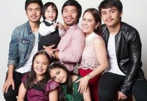 Manny Pacquiao with his wife & kids