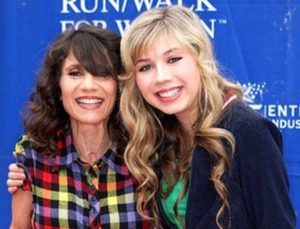 Jennette McCurdy with her mother