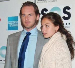 Alexa Davalos with her boyfriend