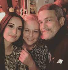 Kacey Musgraves with her parents