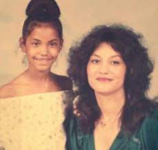Kim Porter with her mother