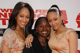 Tia Mowry with her mother & sister