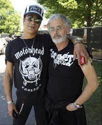 Slash with his father