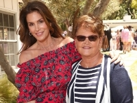 Cindy Crawford with her mother