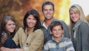Kristi Noem with her husband & children