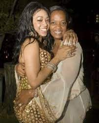 Trina rapper with her mother