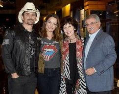 Brad Paisley with his parents