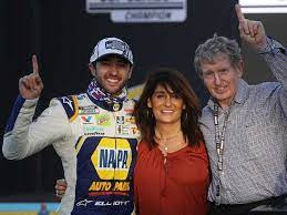 Chase Elliott with his parents