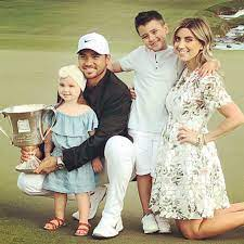 Jason Day with his wife & kids