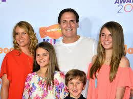 Mark Cuban with his wife & children