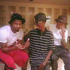 August Alsina with his brothers