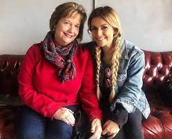 Lindsay Ell with her mother