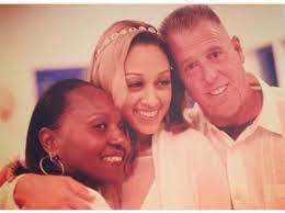 Tamera Mowry-Housley with her parents