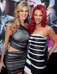 Erin Andrews with her sister